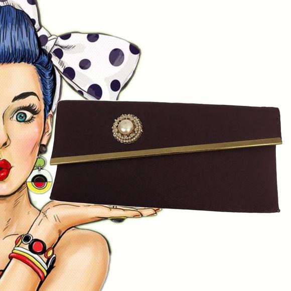 Vintage Handbags - Vintage Brown & Faux Pearl Envelope Clutch
